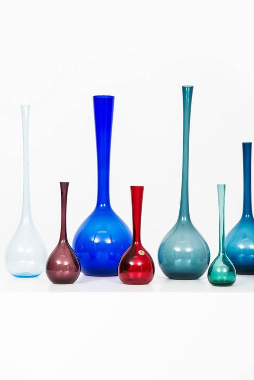 A set of eight-glass vases designed by Arthur Percy. Produced by Gullaskruf in Sweden. Height is between 24.5 - 52 cm.