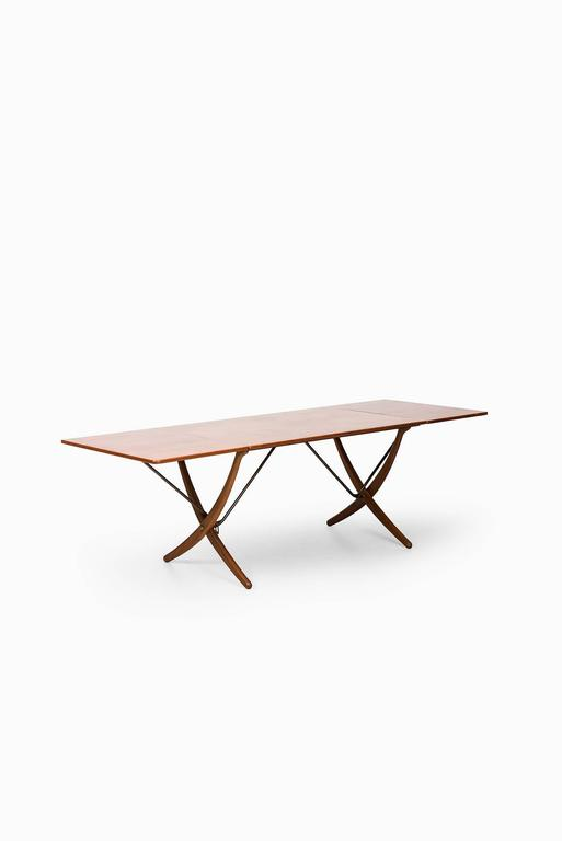 Hans Wegner Dining Table Model AT-304 by Andreas Tuck in Denmark In Excellent Condition For Sale In Malmo, SE
