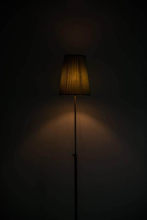 Hans Bergström Floor Lamp Model 544 by Ateljé Lyktan in Sweden In Excellent Condition For Sale In Malmo, SE