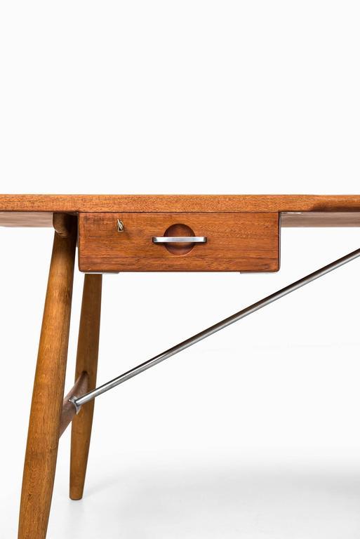 Hans Wegner Desk Model JH-571 by Johannes Hansen in Denmark 2