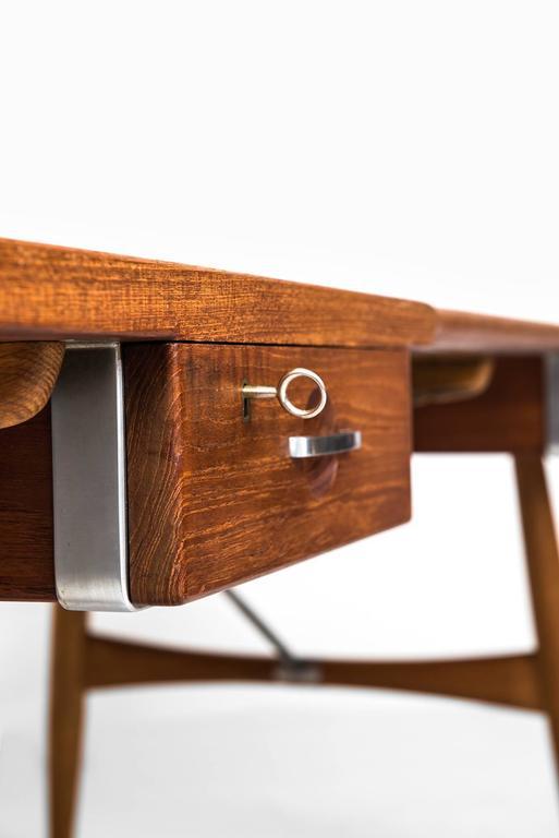 Hans Wegner Desk Model JH-571 by Johannes Hansen in Denmark 3