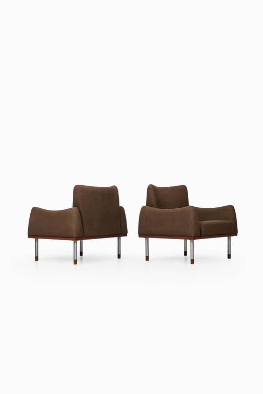 Scandinavian Modern Pair of Easy Chairs by Nanna Ditzel & Illum Wikkelsø For Sale