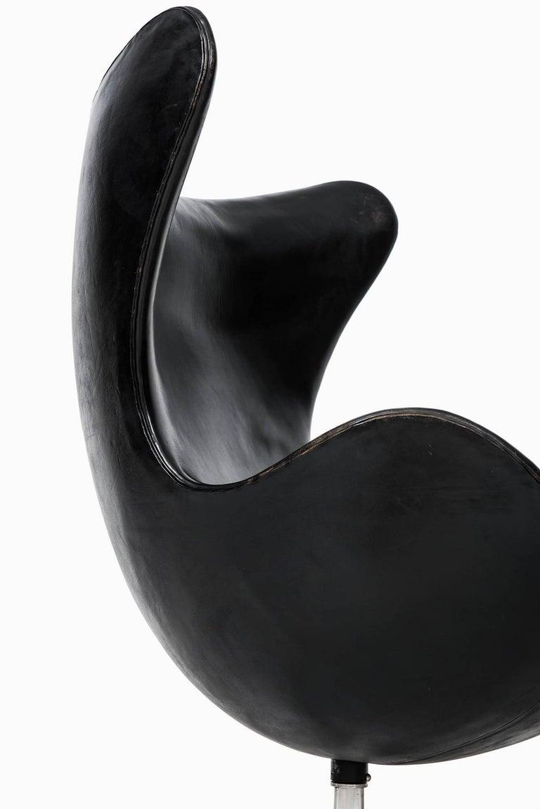 Arne Jacobsen Egg Chair Model 3316 by Fritz Hansen in Denmark 2