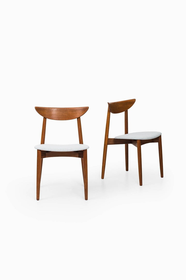 Rare set of six dining chairs designed by Harry Østergaard. Produced by Randers møbelfabrik in Denmark.