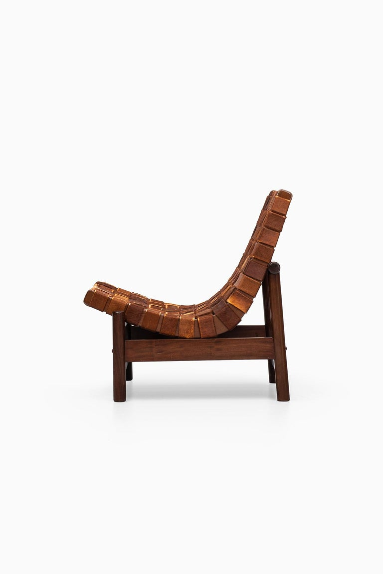 Very rare easy chair model Guama designed by Gonzalo Cordoba. Produced by Dujo in Cuba.
