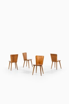 Göran Malmvall dining chairs in pine by Svensk fur in Sweden