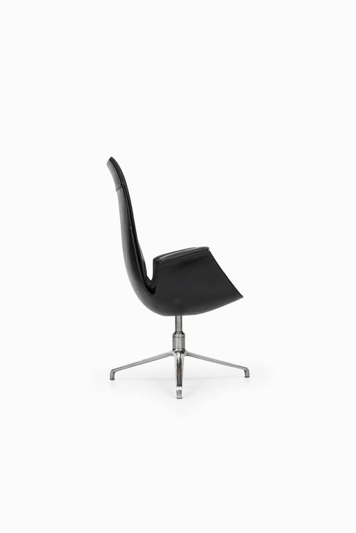A pair of armchairs / office chairs model FK6725 designed by Preben Fabricius & Jørgen Kastholm. Produced by Alfred Kill International in Denmark (1st producer).