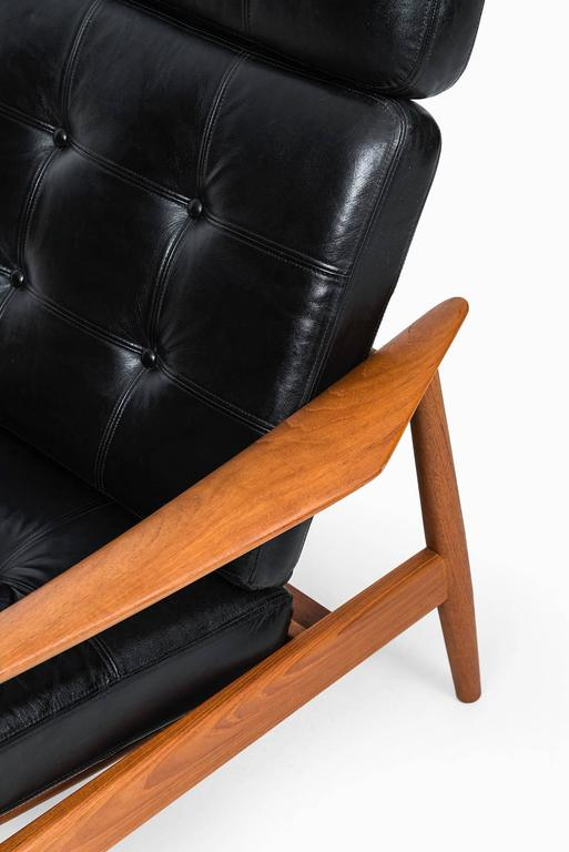 Rare reclining chair model FD-164 designed by Arne Vodder. Produced by Cado in Denmark.
