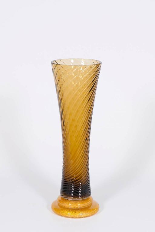 Hand-Crafted Pair of Italian Murano Glass Vases, Attributed to Seguso, circa 1980s For Sale