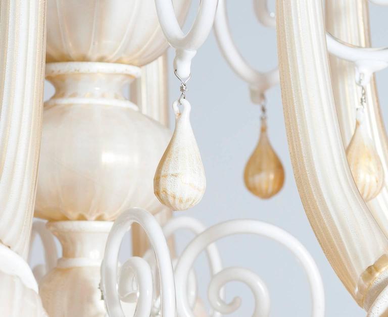 Italian Venetian, Chandelier blown Murano Glass, Ivory & Gold 24K, Seguso, 1990s For Sale 2
