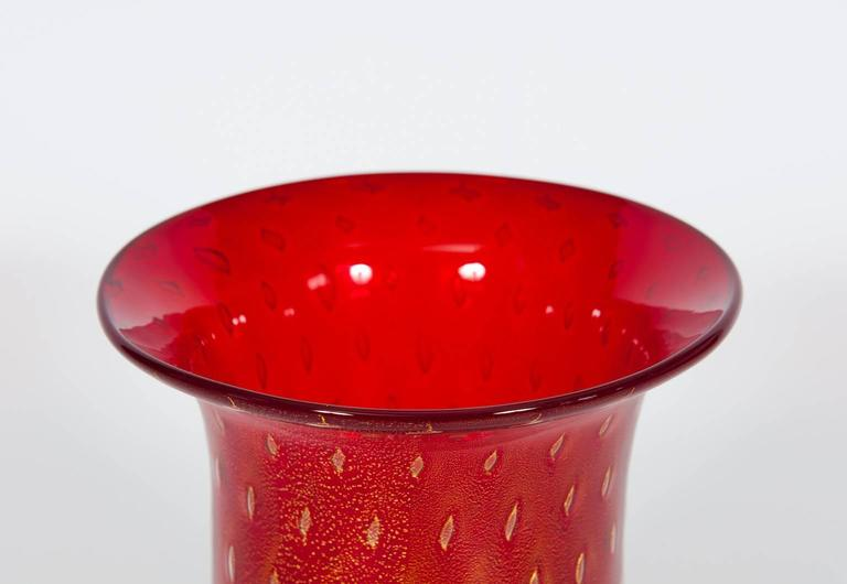 Late 20th Century Italian Venetian Vase in Murano Glass Red and Gold 1980s For Sale