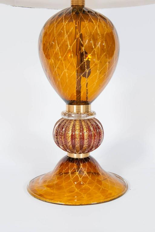 Late 20th Century Italian Table Lamp in Blown Murano Glass Amber & 24-Karat Gold 1980s For Sale