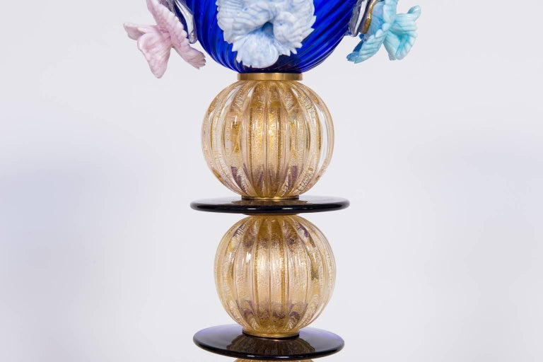 Late 20th Century Italian Table Lamp in Blue and 24-Karat Gold Murano Glass, 1980s For Sale