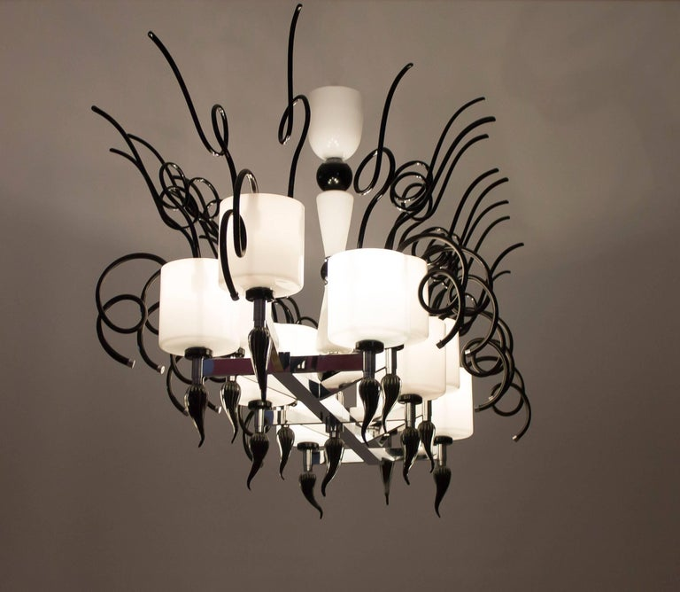 Curly Chandelier black and white in blown Murano Glass contemporary Italy For Sale 2