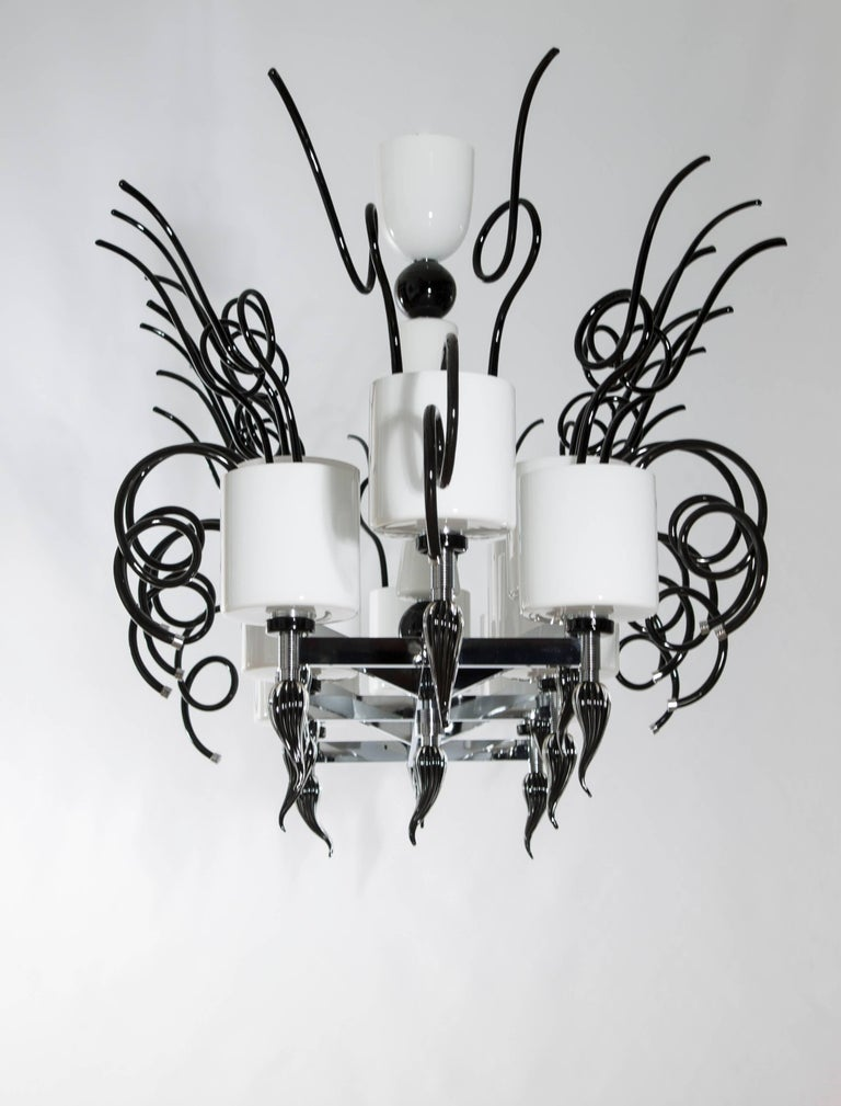 Italian Curly Chandelier black and white in blown Murano Glass contemporary Italy For Sale
