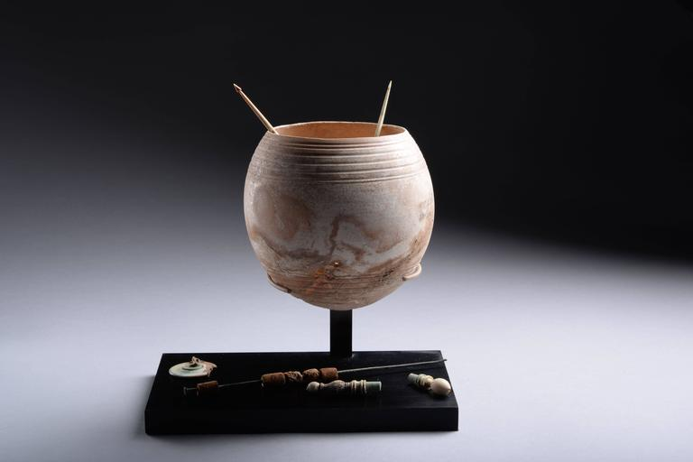 Rare Ancient Roman Ostrich Egg Wool Spinning Set, 100 AD In Excellent Condition For Sale In London, GB