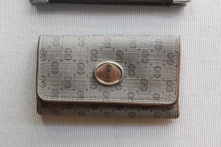 gucci key holder. vintage gucci logo wallet and key case 3 holder u
