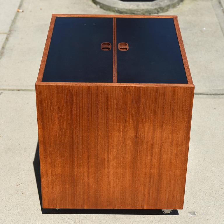 Mid-Century Modern Danish Teak Cube Box Bar For Sale