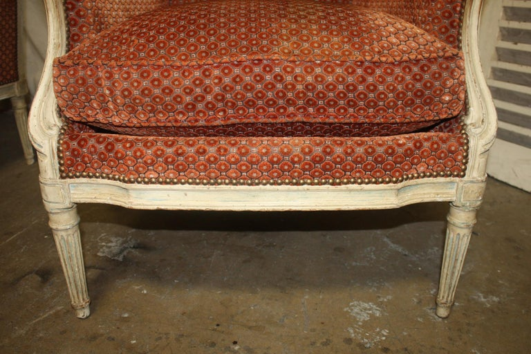Magnificent Pair of 18th Century French Bergere Chairs For Sale 10
