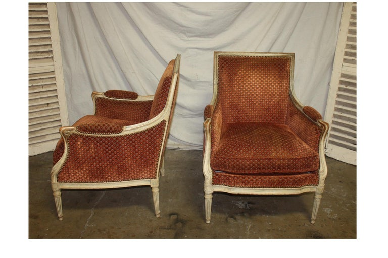 Magnificent Pair of 18th Century French Bergere Chairs For Sale 2