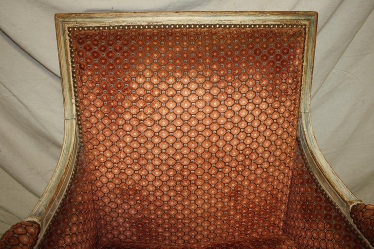 Magnificent Pair of 18th Century French Bergere Chairs For Sale 5