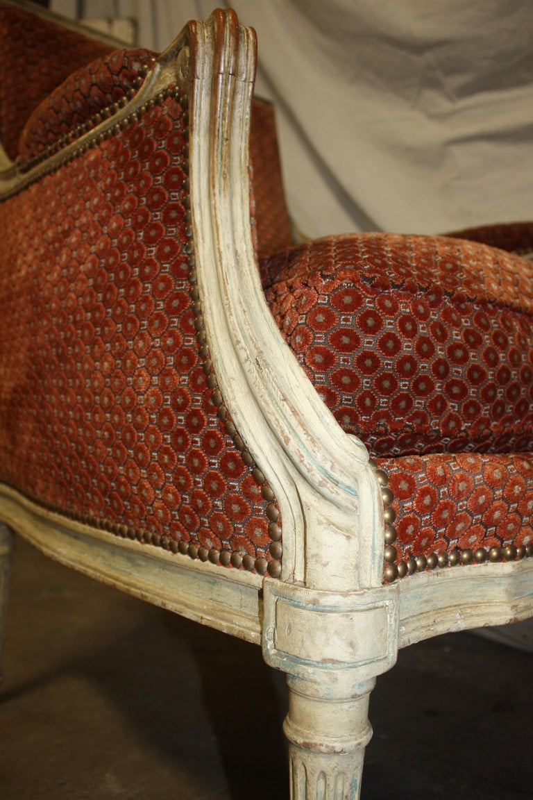 Magnificent Pair of 18th Century French Bergere Chairs For Sale 8