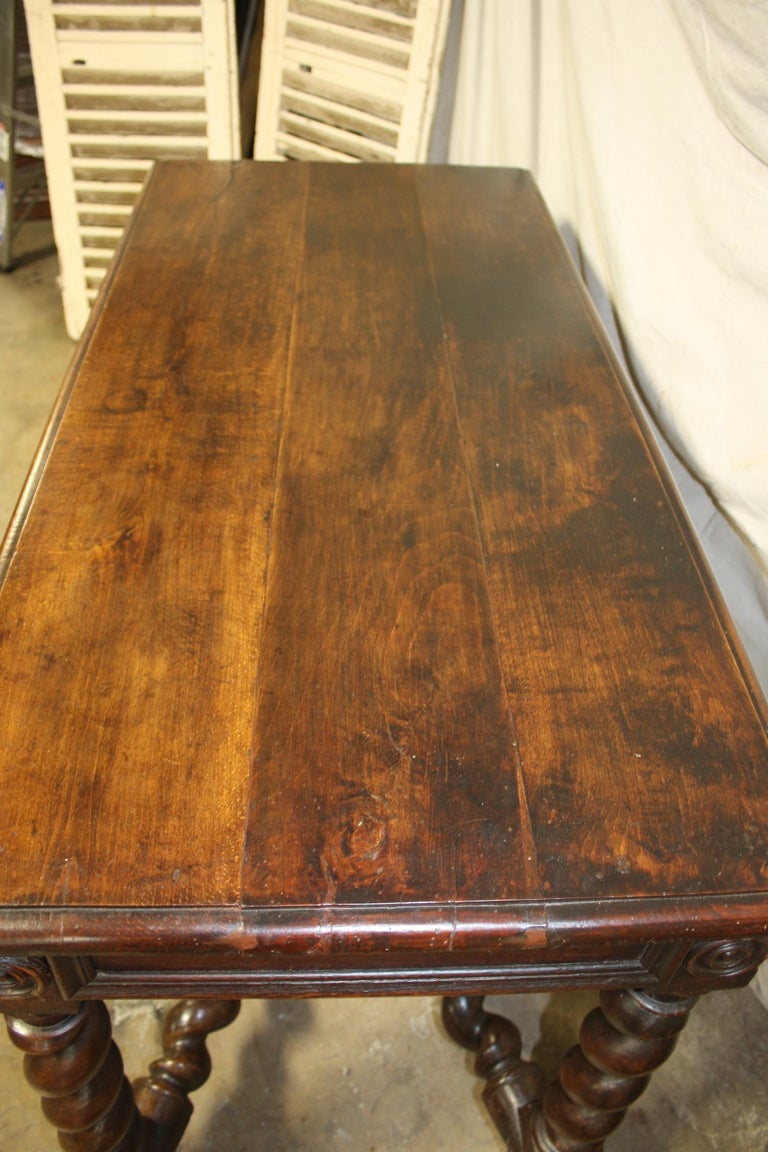 Superbe 18th Century, French Writing Table For Sale 2