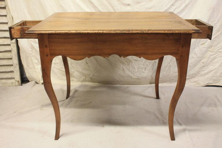 Walnut Charming 19th Century Provencal Table For Sale