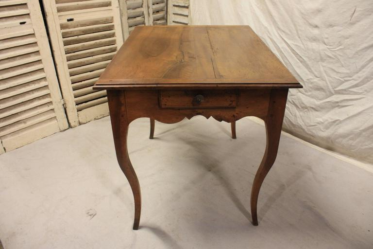 Charming 19th Century Provencal Table For Sale 2