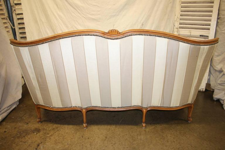 Charming 19th Century French Louis XV Settee For Sale 2