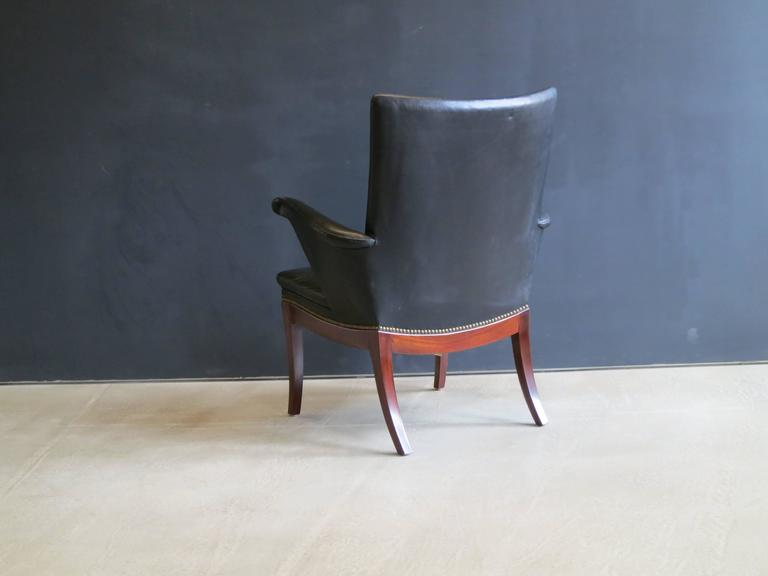 1930s Armchair in Original Black Leather by Frits Henningsen In Excellent Condition For Sale In New York, NY