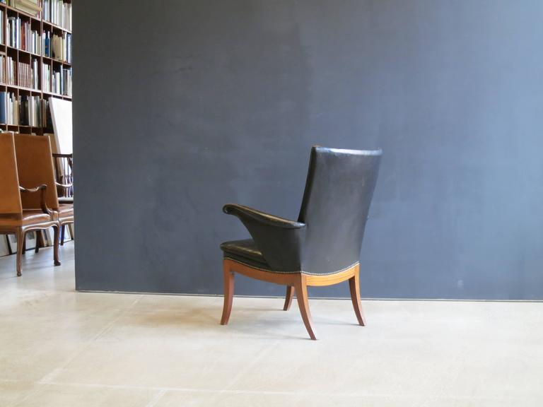 Mid-20th Century 1930s Armchair in Original Black Leather by Frits Henningsen For Sale