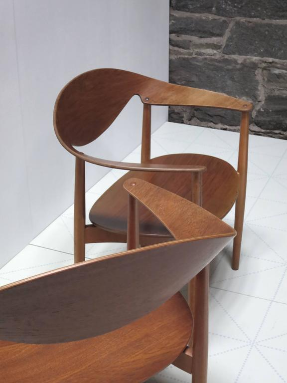 Scandinavian Modern Pair of Metropolitan Chairs by Ejner Larsen and Axel Bender Madsen For Sale