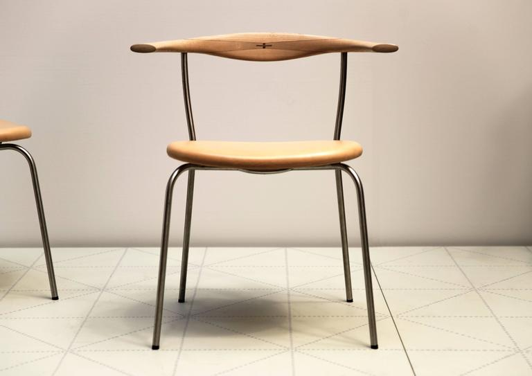 Scandinavian Modern Set of Four Stackable Bull Horn Chairs, Model PP701 by Hans Wegner For Sale