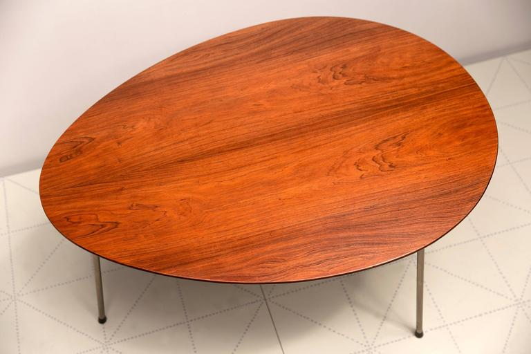 Nice Scandinavian Modern Exceptional Early Brazilian Rosewood Egg Table And Ant  Chairs By Arne Jacobsen For Sale