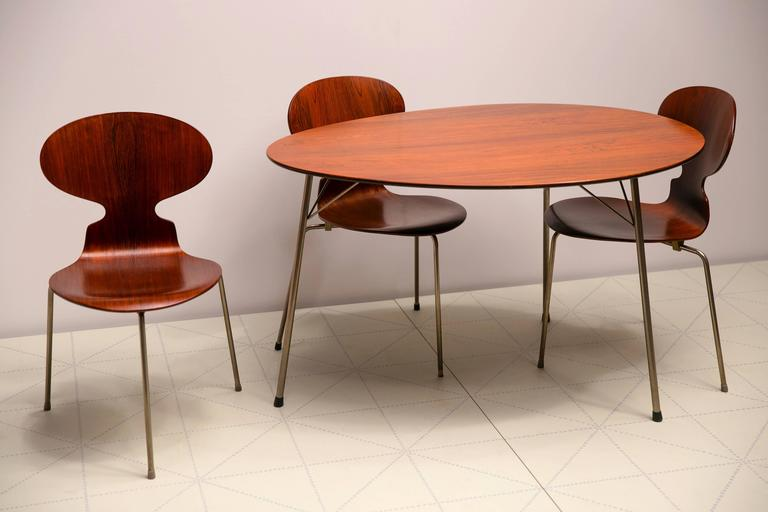 Danish Exceptional Early Brazilian Rosewood Egg Table and Ant Chairs by Arne Jacobsen  For Sale