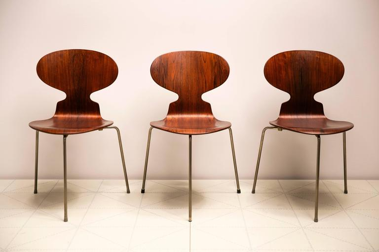 Exceptional Early Brazilian Rosewood Egg Table and Ant Chairs by Arne Jacobsen  In Excellent Condition For Sale In New York, NY