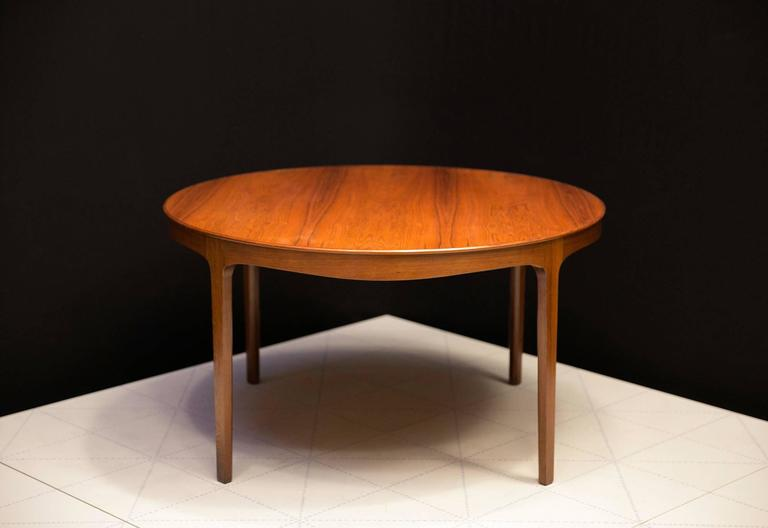 Ole Wanscher's Elegant Brazilian Rosewood Circular Sofa Table with Curved Apron. Made in the 1940s by master cabinetmaker A.J. Iversen (with label on the underside).