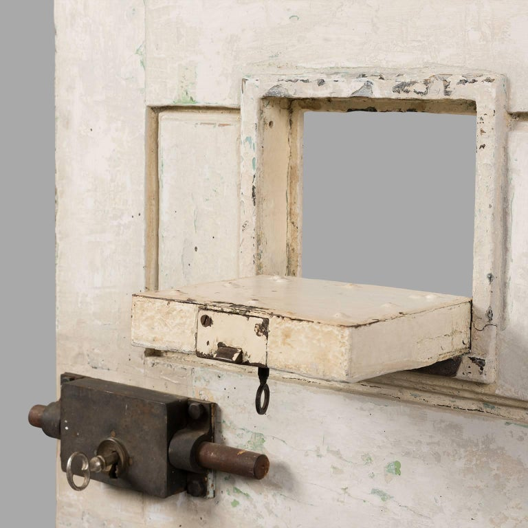Jail Cell Door, circa 1930 In Good Condition For Sale In Saint-Ouen, FR