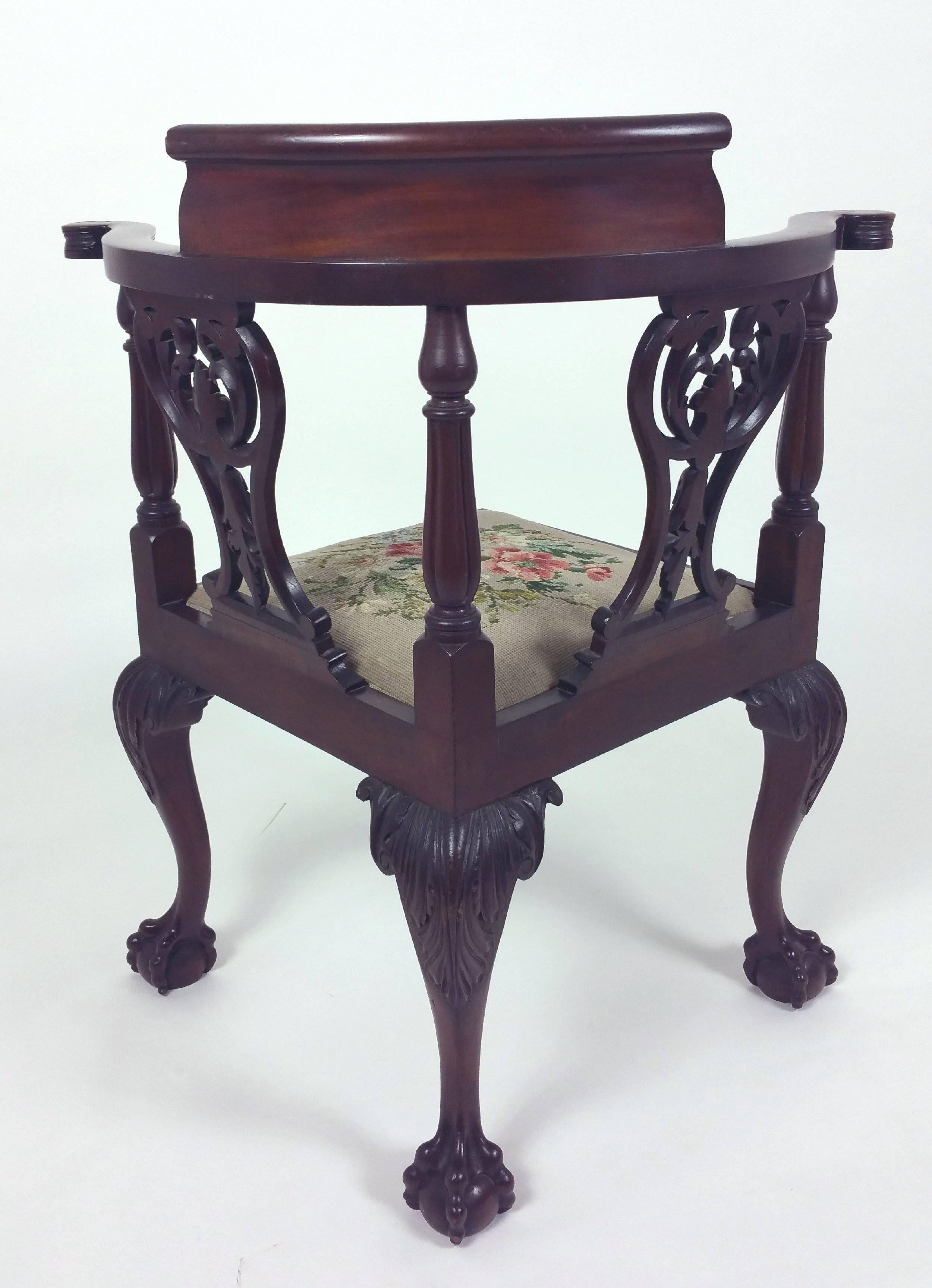 Pair Of Late 19th Century Chippendale Design Carved Mahogany Corner Chairs  For Sale 3