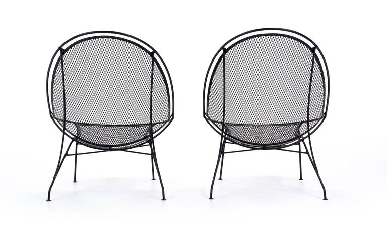 Powder-Coated Rare Pair of John Salterini Patio Chaise Lounge Chairs with removable footrests. For Sale