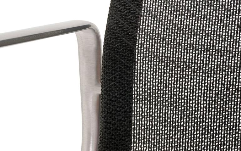 ONLY ONE LEFT!! Black Mesh Eames Aluminum Group dining / conference chairs.  For Sale 4