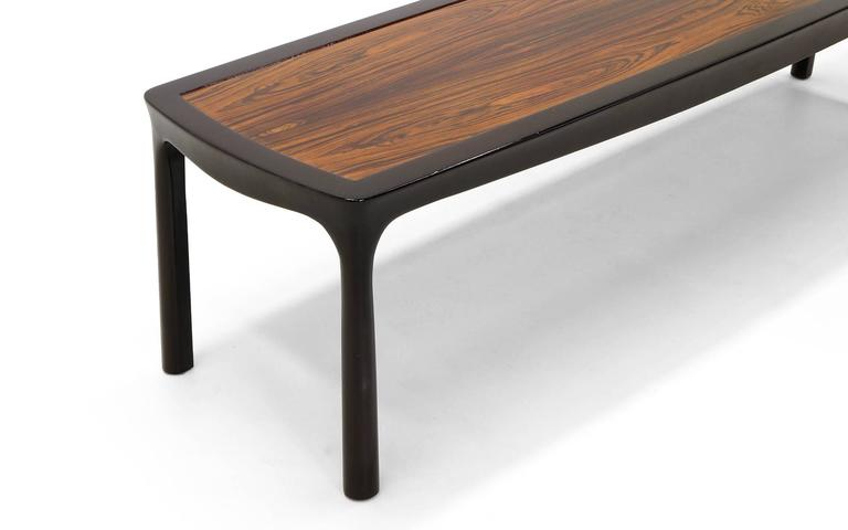 Sculptured Edge Rectangular Coffee Table by Edward Wormley for Dunbar In Excellent Condition For Sale In Kansas City, MO