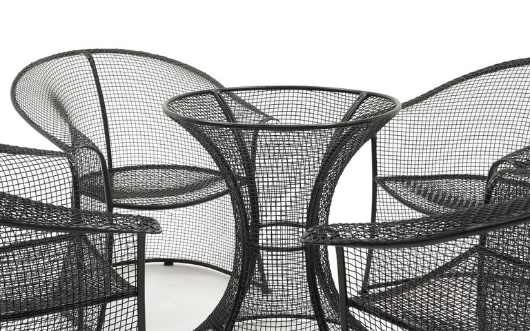 Russell Woodard Woven Wire Mesh Outdoor Patio Table And