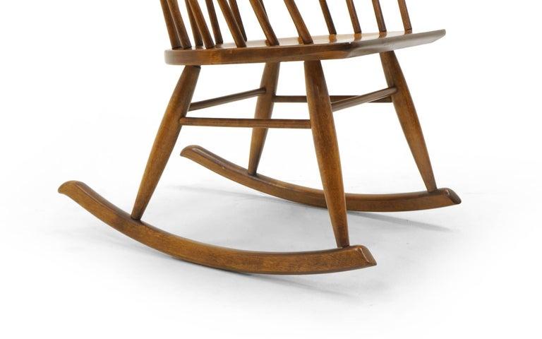 Schaukelstuhl mit Lehne aus dünnen Holzstäben, hergestellt von Conant Ball 8