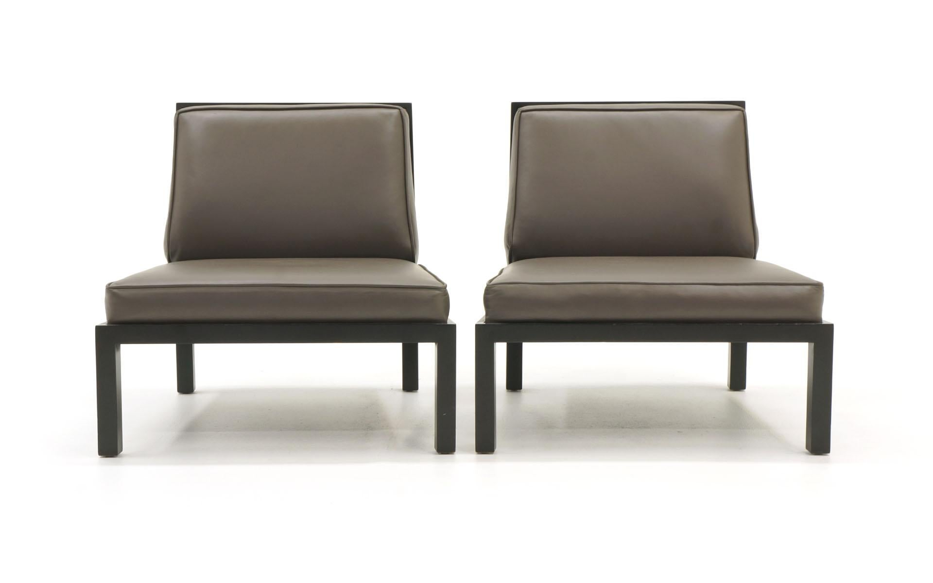 Mid Century Modern Pair Of Slipper Chairs By Baker, Original Leather With  Ebony Wood