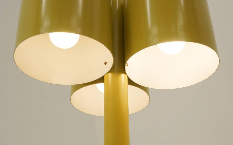 Mid-20th Century Neal Small Large Table Lamp, Three Original Mustard Yellow Color Shades For Sale
