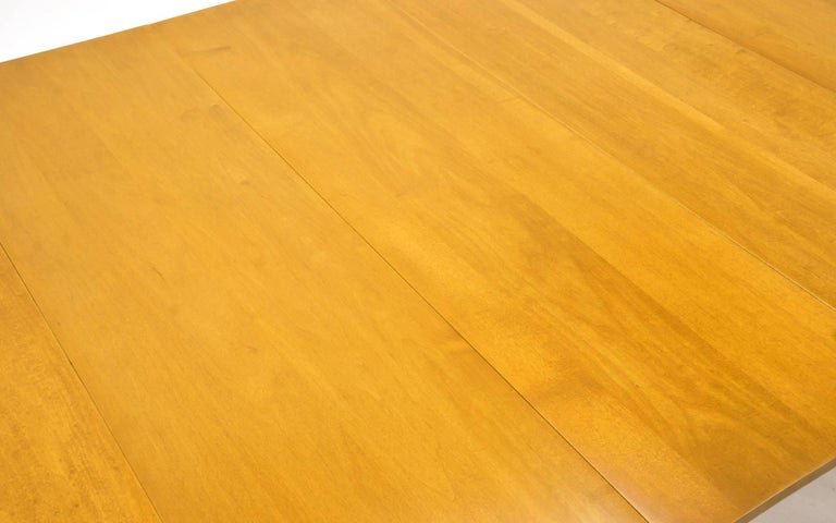 Drop-Leaf Dining Table by Paul McCobb, Expandable with Three Leaves, Solid Maple For Sale 4