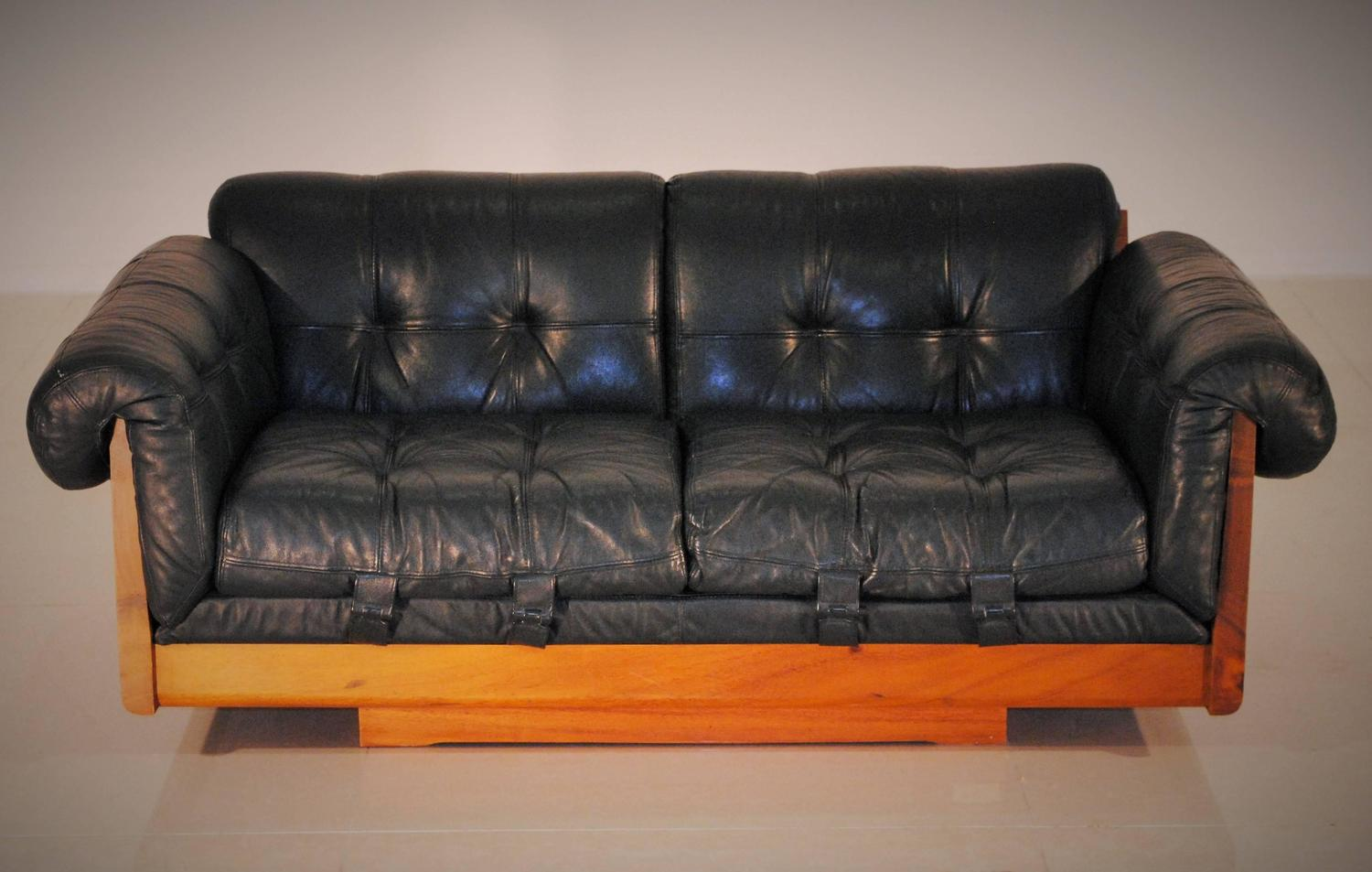 Ultra Low Leather Lounge Sofa by Soto Costa Rica 1970s