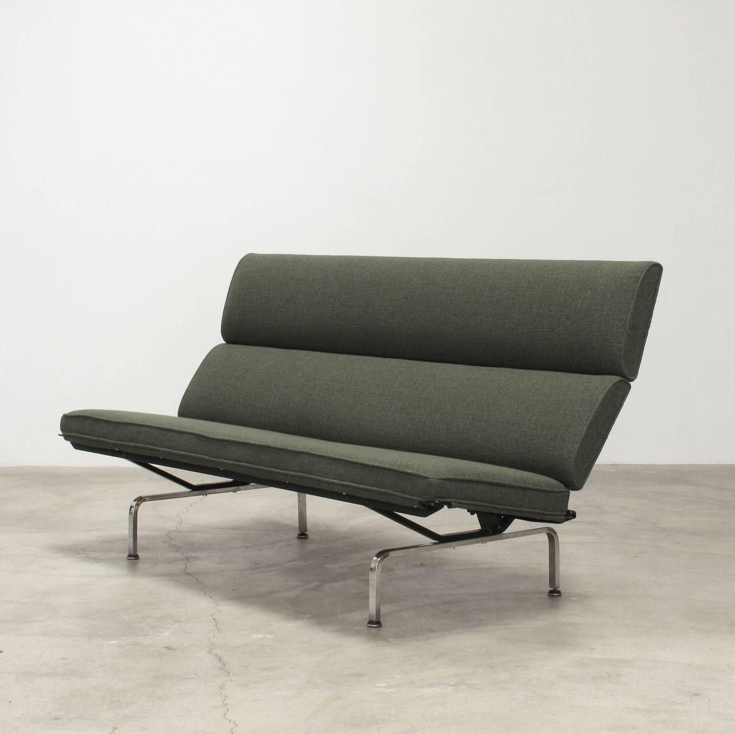 Charles and Ray Eames Sofa Compact, 1960s For Sale at 1stdibs